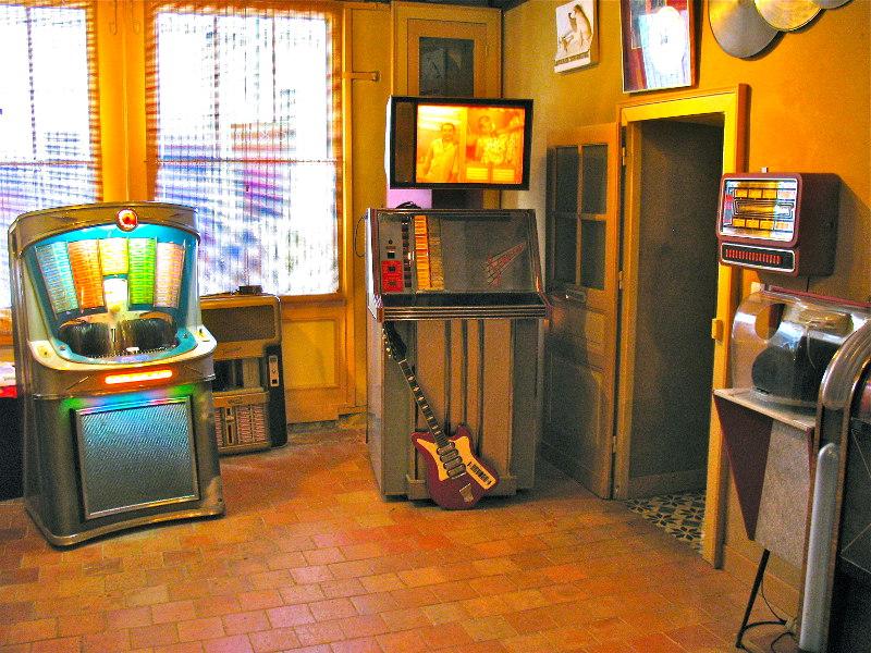 jukebox et scopitone du musée